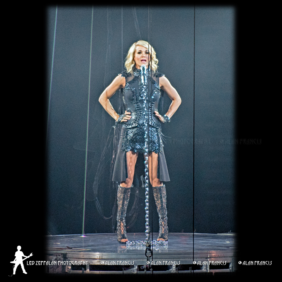 CarrieUnderwood-ReschCenter-GreenBay_WI-20160505-AlanFrancis-02