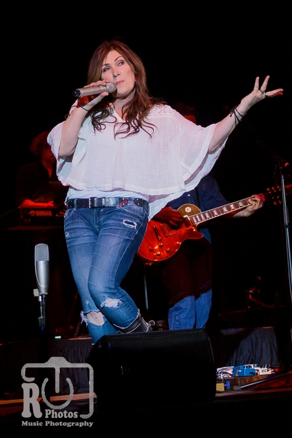 Jo Dee Messina @ Little River Casino in Manistee, MI | Photo by John Reasoner