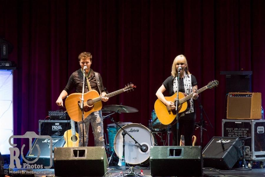 Dave & Julia @ Ionia Theatre Ionia, MI | Photo By John Reasoner