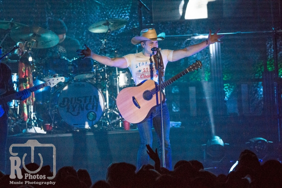 Dustin Lynch @ The Intersection Grand Rapids, MI | Photo By John Reasoner