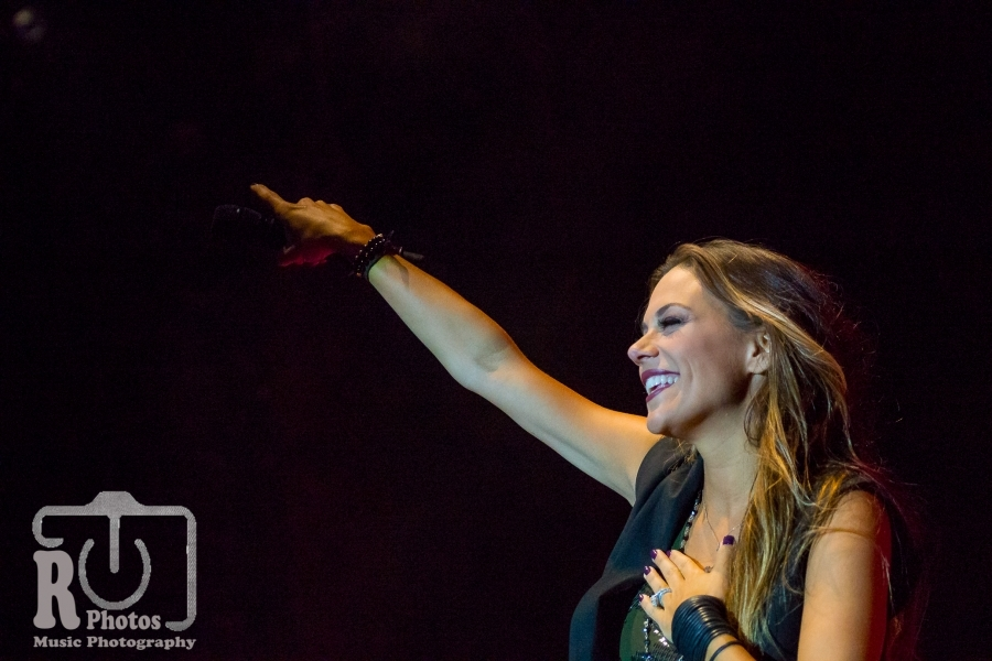 Jana Kramer @ Firekeepers Casino in Battle Creek, MI | Photo by John Reasoner