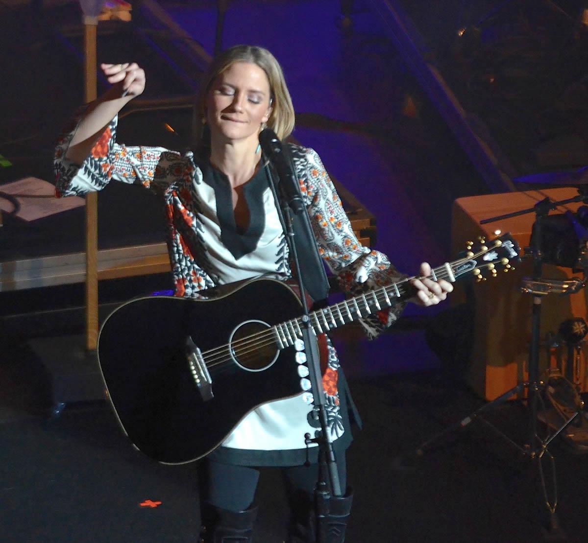 Jennifer Nettles @ House of Blues in Dallas, Texas | Photo by Joe Guzman
