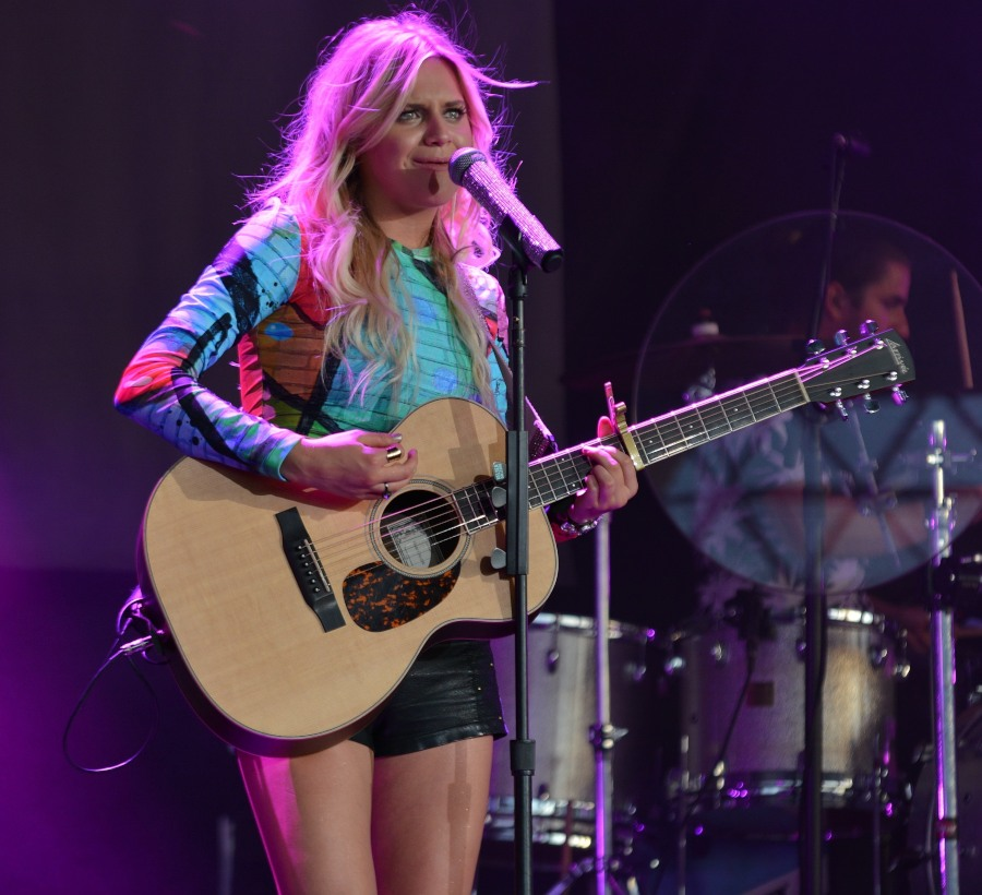 Kelsea Ballerini @ Gexa Energy Pavillion in Dallas, TX