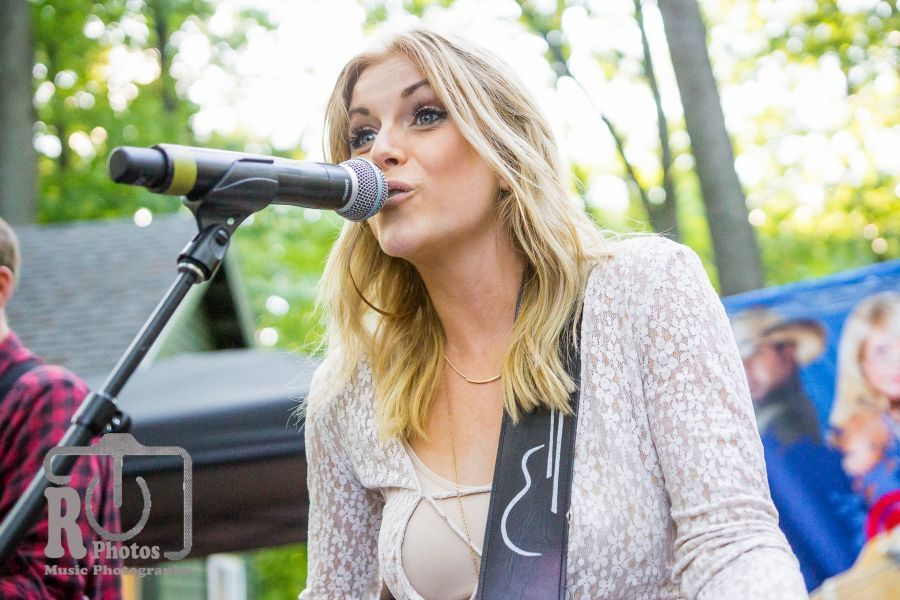 Lindsay Ell @ WYCD Hoedown | Photo by John Reasoner