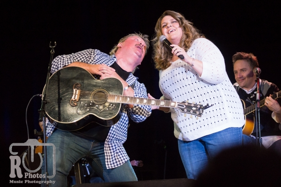 Joe and Kara Diffie @ Little River Casino in Manistee, MI | Photo by John Reasoner