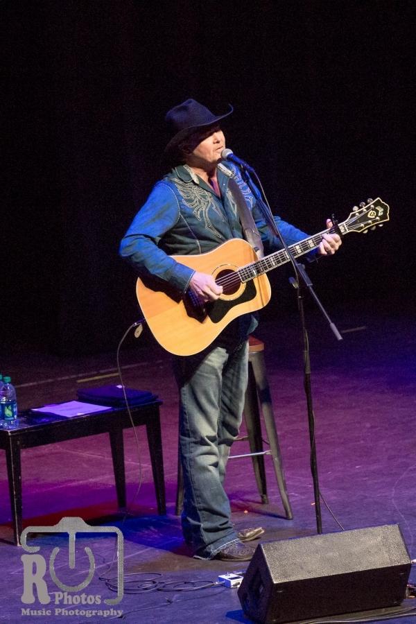 Tracy Lawrence @ Renaissance Theatre Mansfield, OH | Photo by John Reasoner