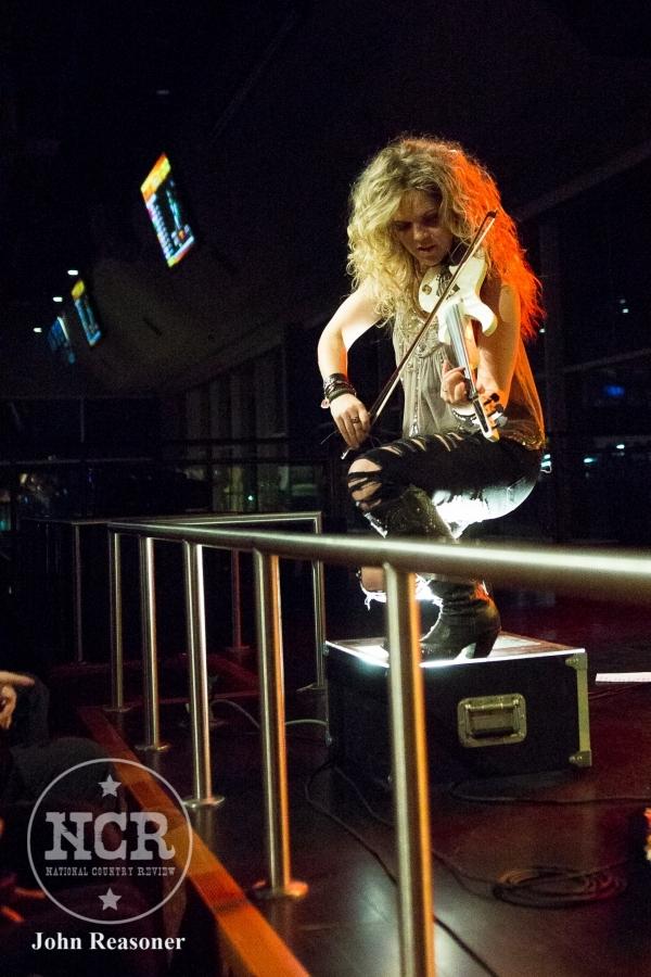 3 Girls (Natalie Stovall) Rock Into A Bar @ Hoosier Park in Anderson, IN | Photo by John Reasoner