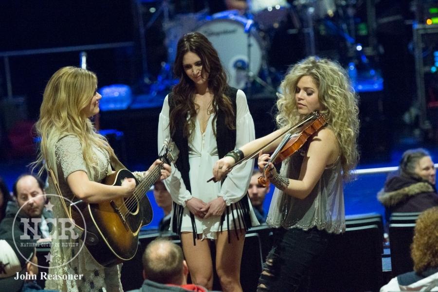 3 Girls Rock Into A Bar @ Hoosier Park in Anderson, IN | Photo by John Reasoner