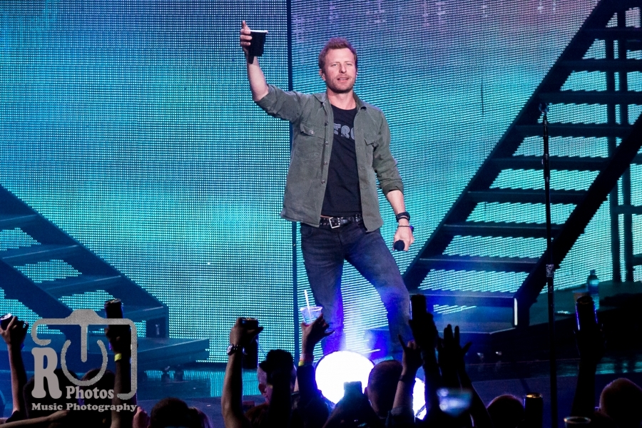 Dierks Bentley @ DTE Energy Music Theatre in Clarkston, MI | Photo by John Reasoner