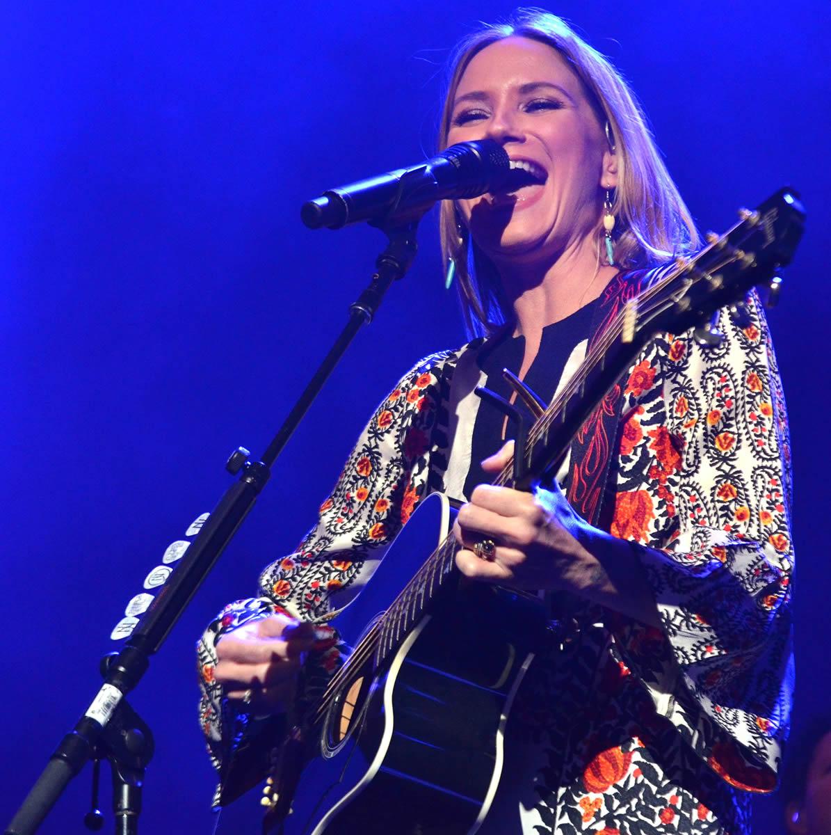 Jennifer Nettles @ House of Blues in Dallas, Texas   Photo by Joe Guzman