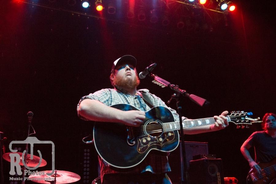 Luke Combs @ The Fillmore Detroit, MI | Photo by John Reasoner
