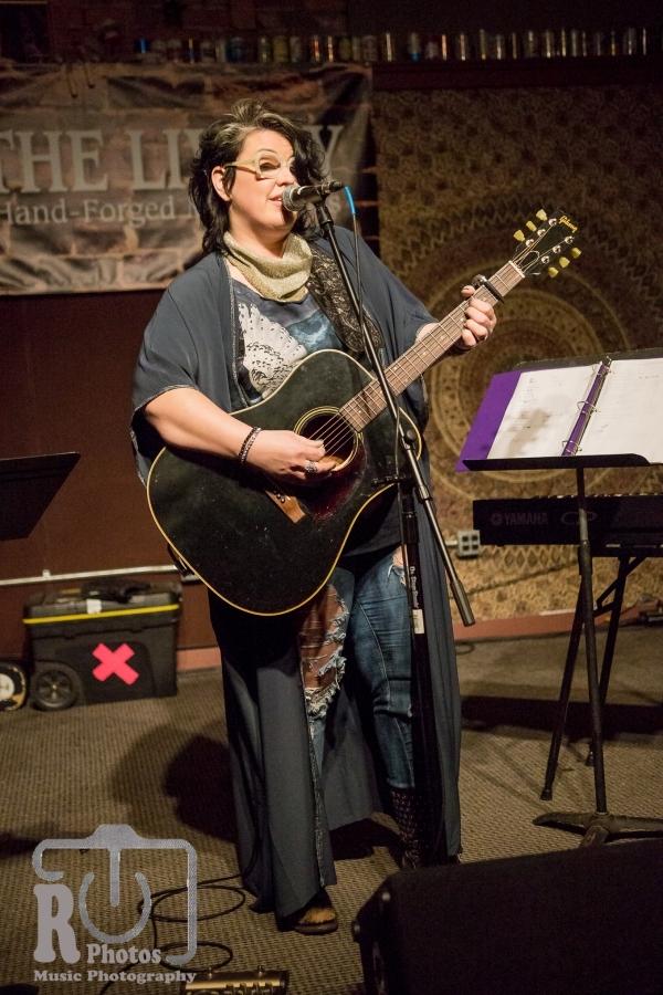 Sarah Potenza @ The Livery Benton Harbor, MI   Photo by John Reasoner